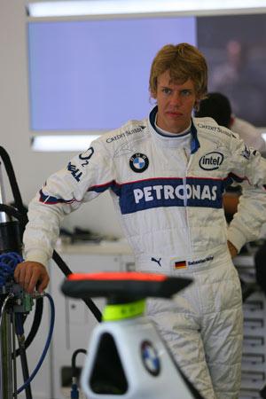舒米手把手培养接班人 19岁新人成F1最年轻车手