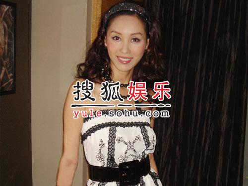 郭可盈登陆《欢乐中国行》 台上台下人气狂飚