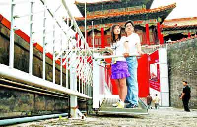 故宫午门装升降台 负责人称不影响建筑风格(图)