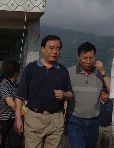 新华社记者台风报道采访手记:为了良知(组图)