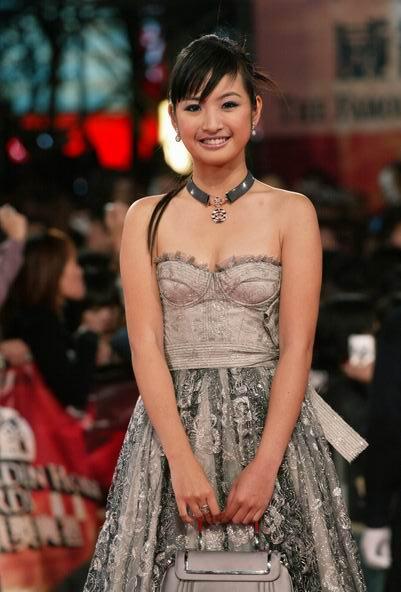 中国明星比拼名模Beatrice妖娆身姿