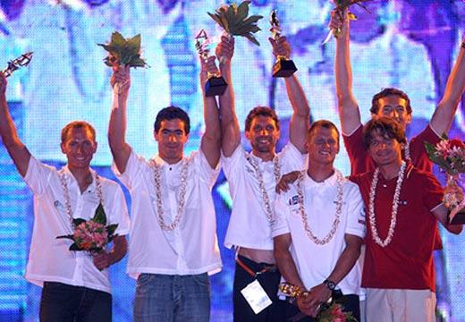 图文:青岛国际帆船赛颁奖仪式 男子470级