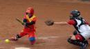 图文:中国女垒击败加拿大队 于燕宏击球