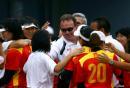 图文:中国女垒击败加拿大队 中国主教练迈克尔