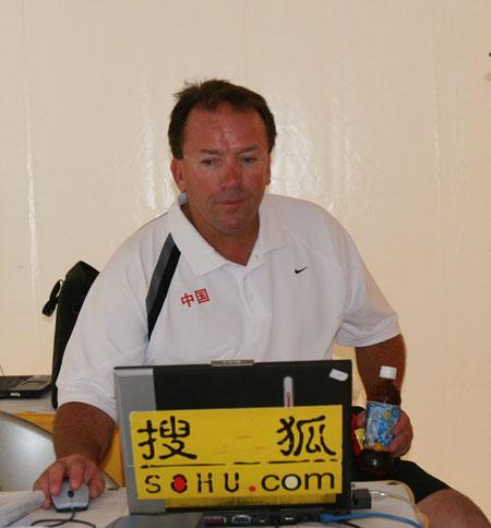 图文:世锦赛中国队击败加拿大 迈克尔关注搜狐