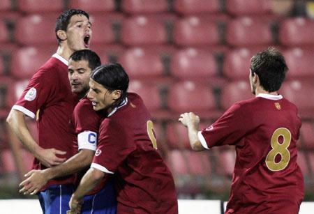 欧洲杯预选赛-芬兰3-1胜波兰 塞尔维亚主场小胜