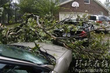 风暴埃内斯托横扫美国 4人死60万居民断电(图)