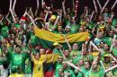 世锦赛图:立陶宛胜德国 立球迷庆祝胜利