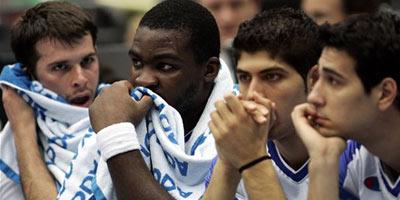 世锦赛图:西班牙大胜希腊 希队员面对失利无语