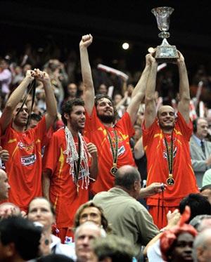 世锦赛图:西班牙大胜希腊 加索尔高举双手欢呼
