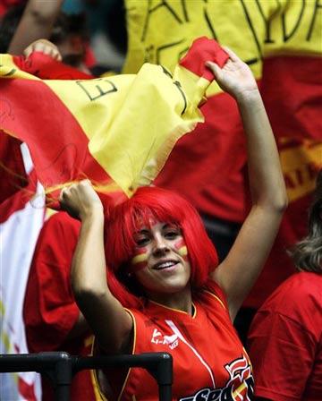 世锦赛图:西班牙VS希腊 日本公主前来观战