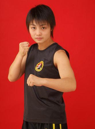 图文:世界杯武术散打赛 中国选手:李俊丽
