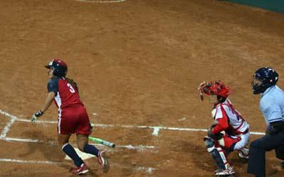 图文:女垒世锦赛决赛美国对阵日本 击球之后
