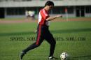 图文:国足备战亚洲杯 朱广沪瞄准新加坡