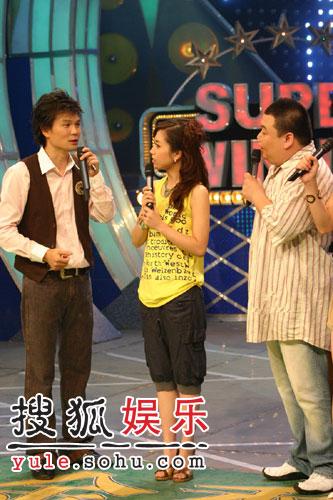 近日,人气女歌手胡杨林-胡杨林安徽卫视 超级大赢家 与刘刚对 戏