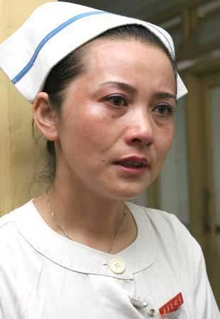 护士长调离医院 16名白血病患儿写信挽留(组图)