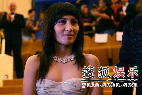 《放逐》战水城 吴镇宇黄秋生红地毯耀眼(图)
