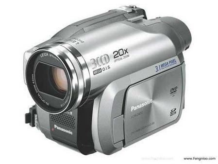 松下发售3CCD 20倍光变DVD光盘DV摄像机