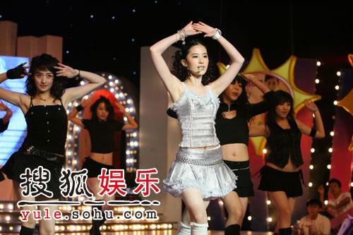 图:刘亦菲线上音乐会写真(8)