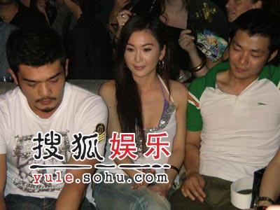 香港明星钟情上海酒吧 钟汉良独爱夜生活减压