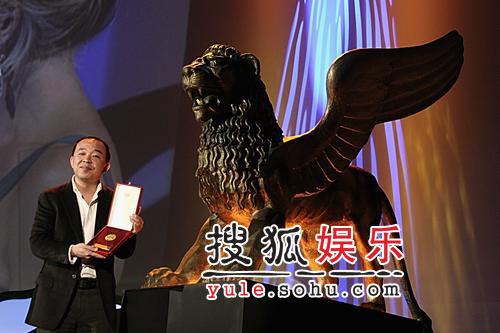 《马背上的法庭》导演刘杰得大奖后接受采访