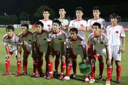 图文:亚少赛中国VS朝鲜 赛前国少队员踌躇满志