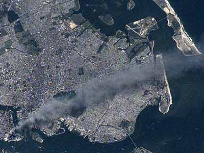 """美国首次公布太空上拍摄的""""九一一""""照片(图)"""