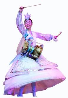 中国歌剧舞剧院大型歌舞《夏秋冬春》露王牌