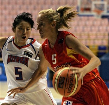 图文:女篮世锦赛西班牙VS韩国 西班牙队员突破