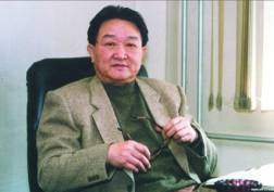 图文:话剧《一个和八个》艺术总监—杨宗镜