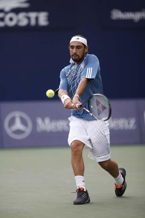 图文:06中网男单晋级赛 巴格达蒂斯成功晋级