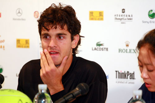 图文:中网男单赛后发布会 安西奇若有所思