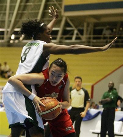 世锦赛图:中国女篮VS尼日利亚 刘丹单骑闯关