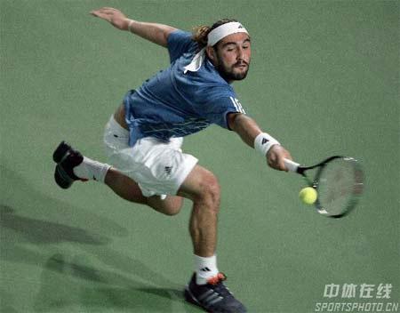 图文:中网男单正赛第三轮 巴格达蒂斯在比赛中