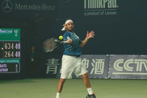 图文:中网男单半决赛 巴格达蒂斯奉献精彩比赛