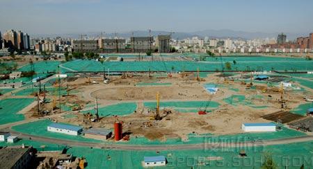图文:鸟瞰见证鸟巢建设 2004年4月桩基施工