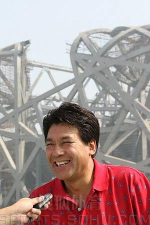 图文:鸟巢实施钢结构卸载 朱时茂接受搜狐采访