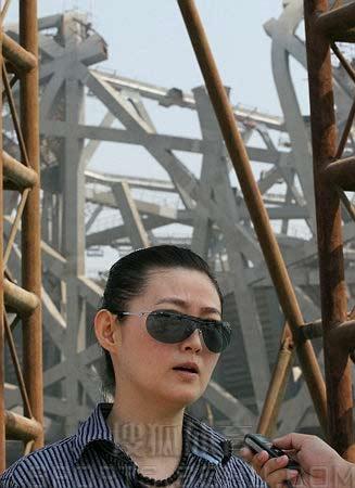 图文:鸟巢实施钢结构卸载 王思懿接受搜狐采访