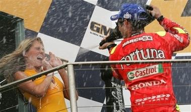 组图:MOTO GP移师澳大利亚菲利普岛 罗西季军