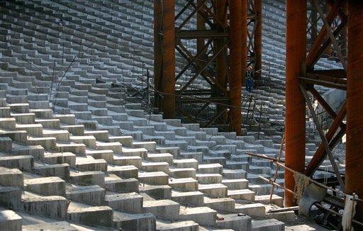 图文:鸟巢成功完成钢结构卸载 体育场内景