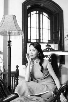 郭可盈《红粉》秀12套旗袍 与张智霖合作默契