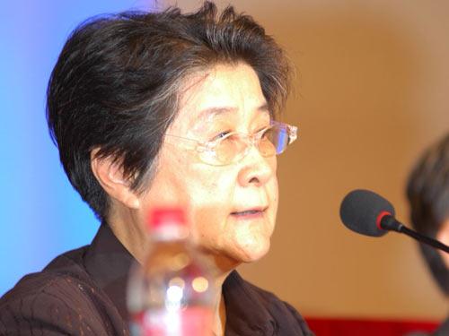 图文:中国互联网协会理事长胡启恒