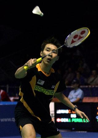 羽毛球世锦赛第四天 李崇伟在比赛中