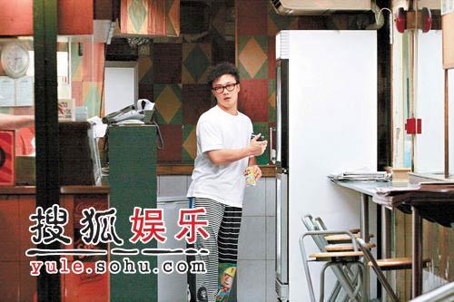 陈奕迅刘浩龙买夜宵 深宵飞车直闯火葬场(图)