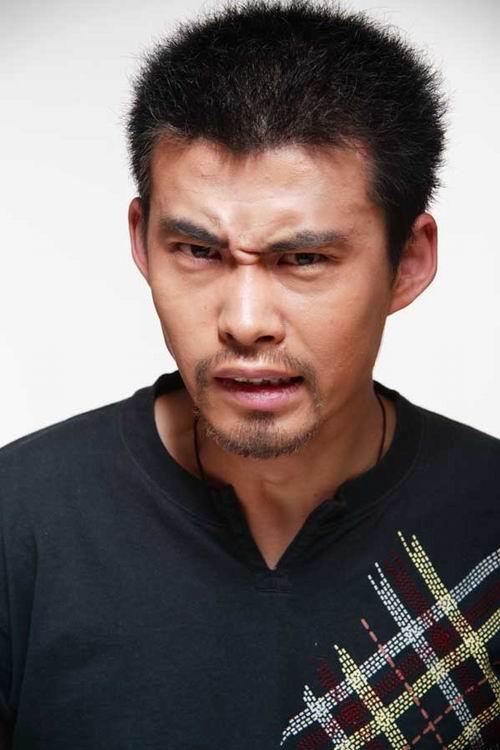 图文:喜剧《D样生活》主演—李建鹏