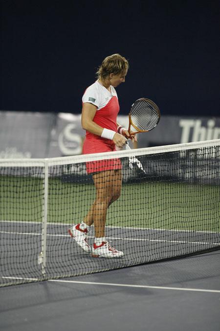 图文:06中网女单1/4赛 库兹娃获胜晋级半决赛