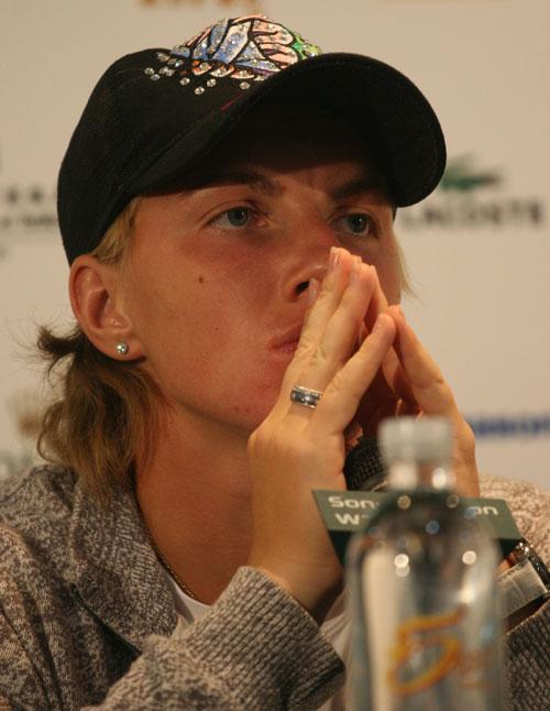 图文:亚洲一姐止步八强 库兹娃开始思考半决赛