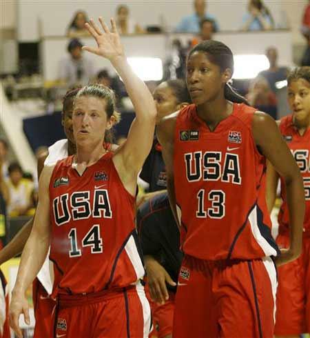世锦赛图:美国胜巴西取得铜牌 史密斯和斯诺
