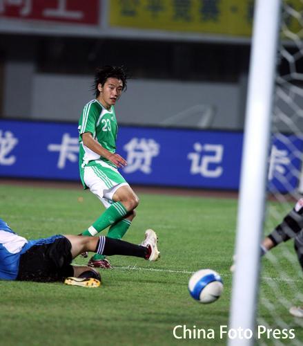 图文:北京主场1-0险胜大连 杜文辉一球定乾坤