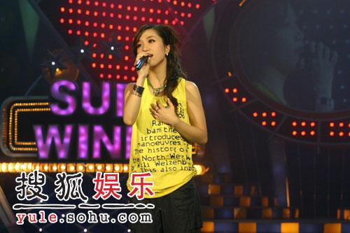 由歌手胡杨林